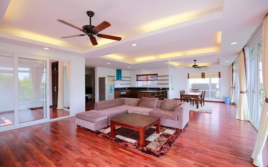 Grand appartement meublé en location à Tay Ho Hanoi
