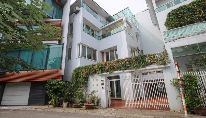 Hanoi Maison moderne en location avec vu sur le West Lake
