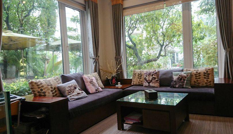 Maison meublée Vinhomes Riverside à louer avec piscine et jardin