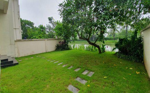 Maison meublée avec jardin en location à Vinhomes Riverside Hanoi