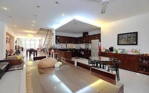 Superbe triplex appartement meublé en location quartier Hoan Kiem Hanoi
