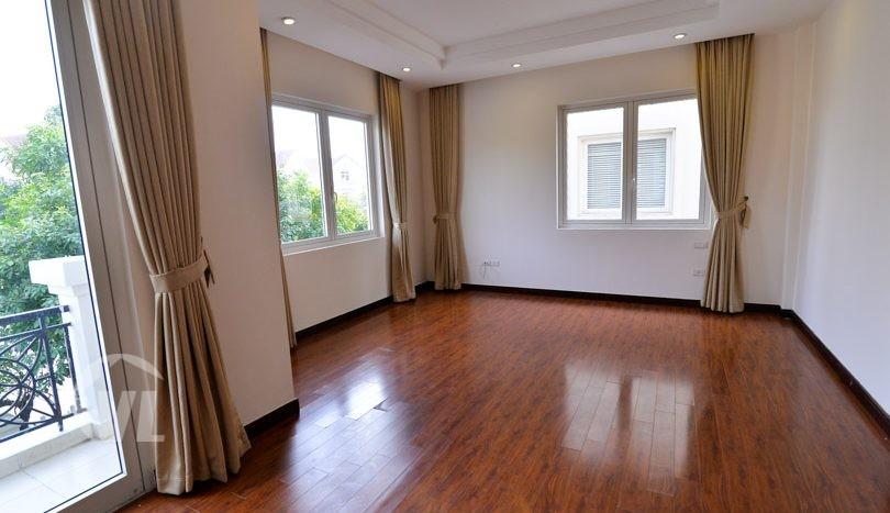Unfurnished house to rent in Vinhomes Riverside Long Bien