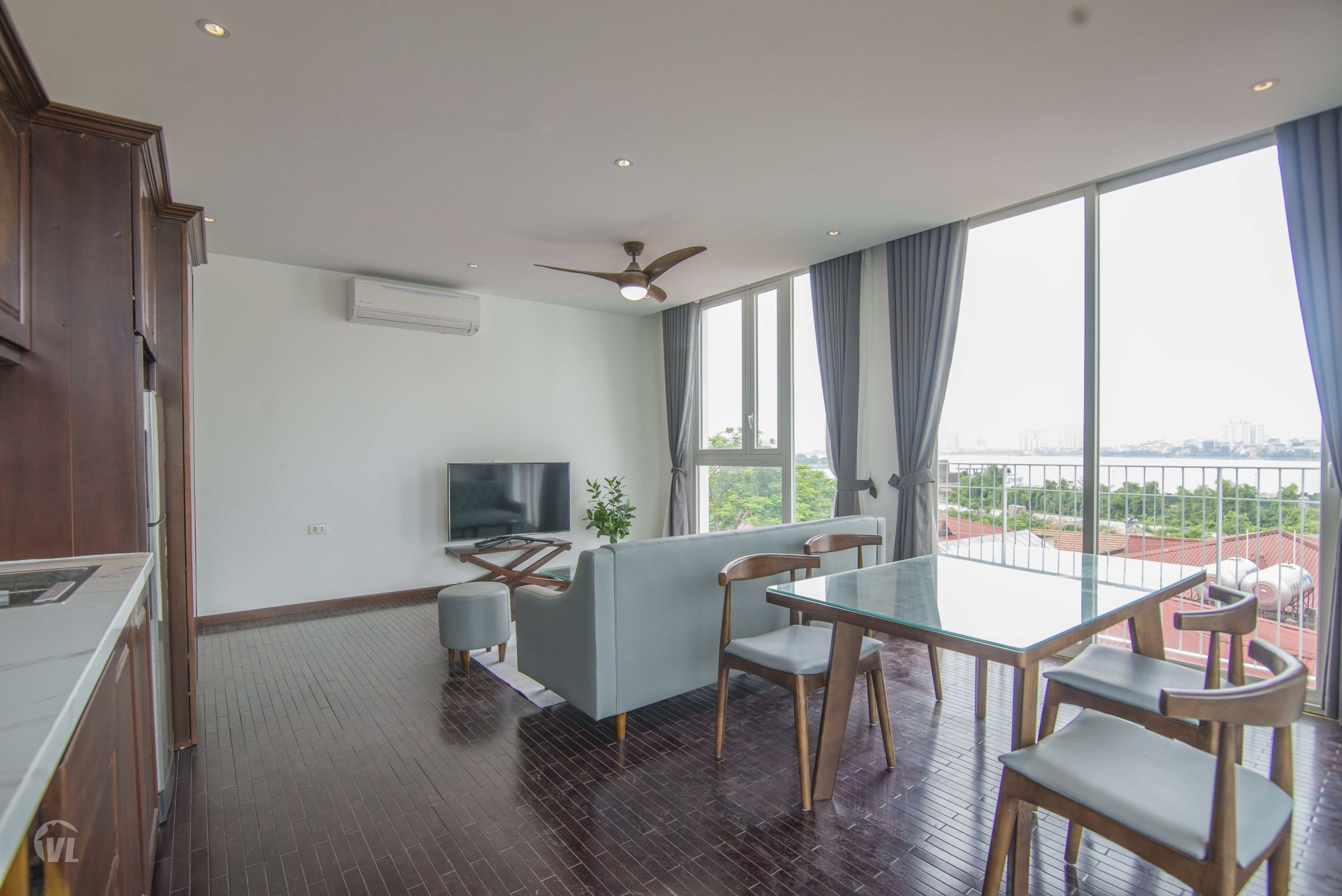 222 Brand-new 2 bedroom apartment in Tay Ho with lake view