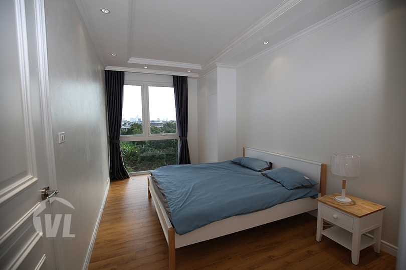 333 Brand new 3 bedroom apartment in Long Bien with small swimming pool