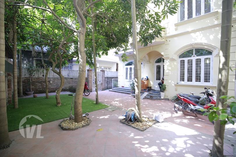 222 Courtyard garden house with 4 bedroom in To Ngoc Van Hanoi
