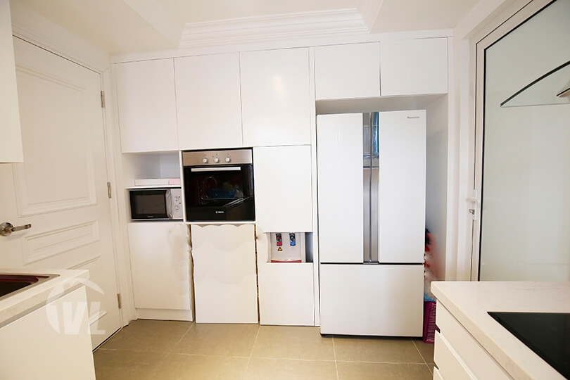 333 Duplex apartment for rent in Long Bien with swimming pool