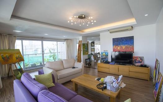 Duplex penthouse to rent in Hai Ba Trung district Hanoi