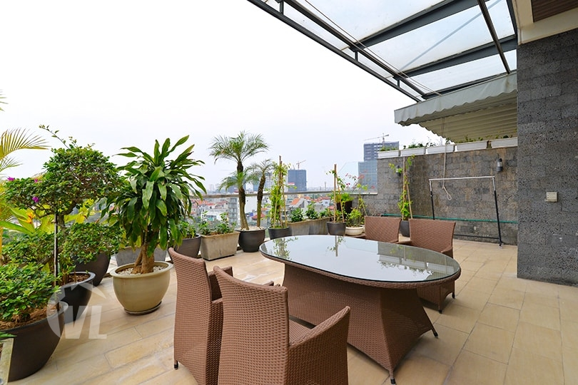 222 Furnished penthouse to lease in Tay Ho Hanoi with terrace and gym
