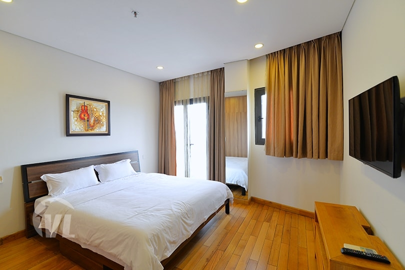 333 Furnished penthouse to lease in Tay Ho Hanoi with terrace and gym