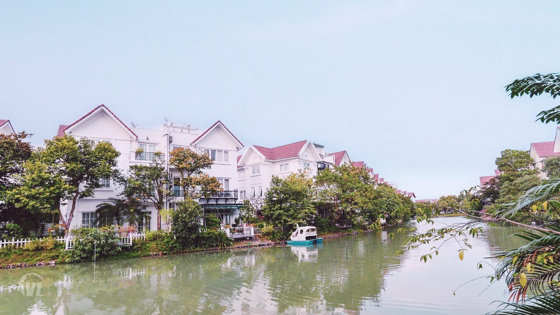 222 Vinhomes Riverside Hanoi villa to rent