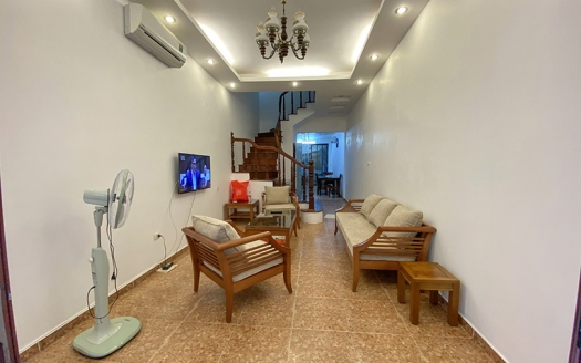 4 bedroom house in Tu Hoa Tay Ho with front yard and terrace