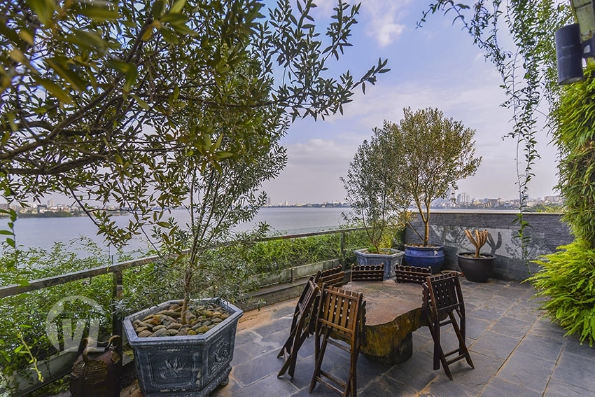 333 Amazing 200 sq m 2 beds penthouse with terrace in Tay Ho