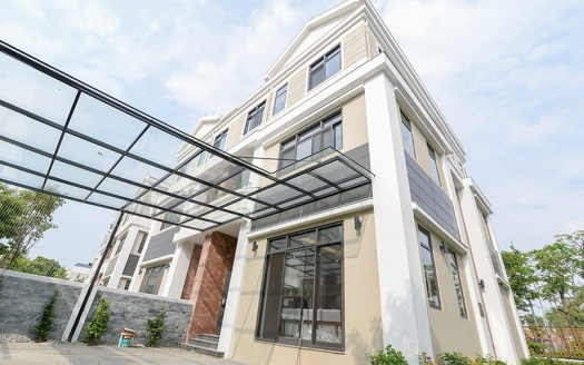 Amazing 4 bedroom house to lease in Starlake complex in Hanoi