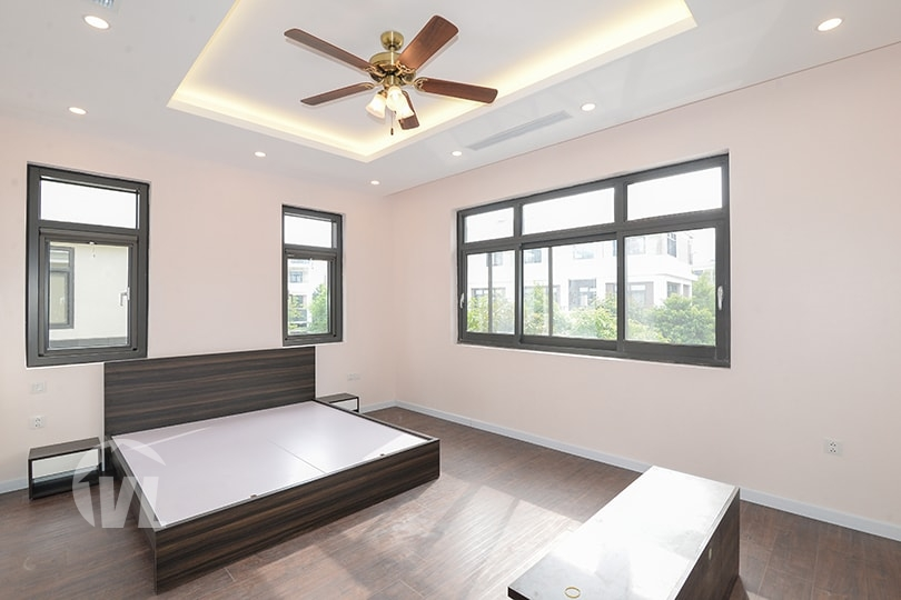 333 Amazing 4 bedroom house to lease in Starlake complex in Hanoi