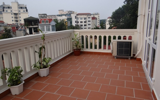 Apartment with terrace to lease close to the French Embassy in Hanoi