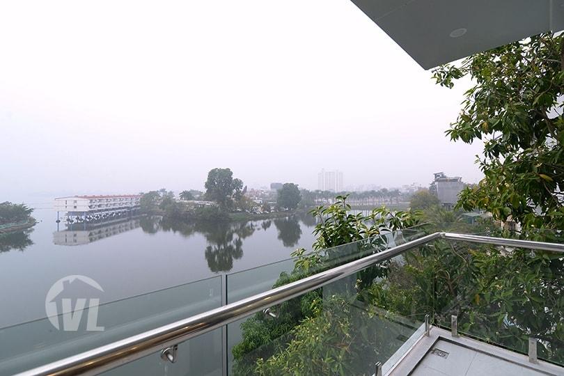 222 Lake view apartment