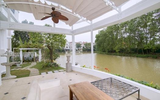 Detached 4 beds villa with elevator in Vinhomes Riverside