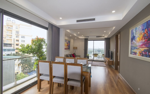 Lake view 2 bedrooms apartment in Hai Ba Trung district