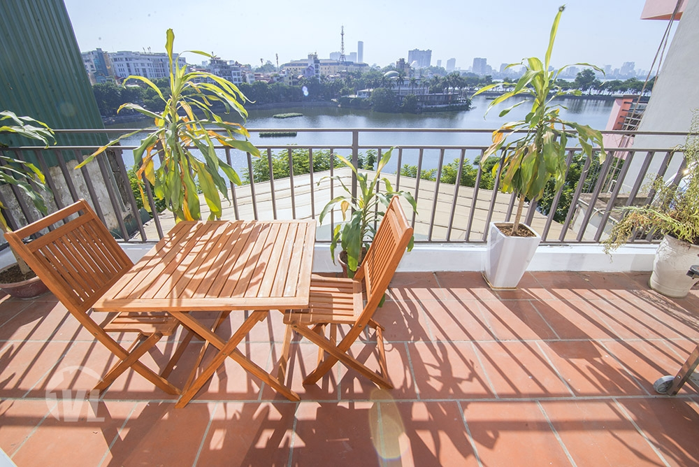 333 Lake view 3 bed duplex apartment in Truc Bach for rent