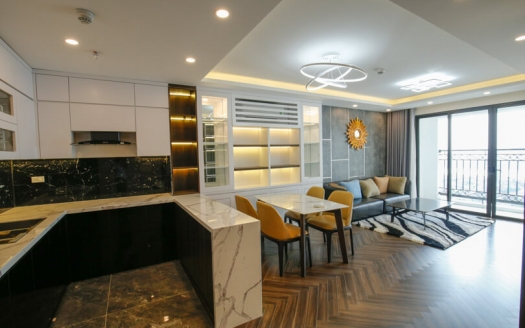 Modern 3 bedroom apartment in Xuan Dieu with lake view