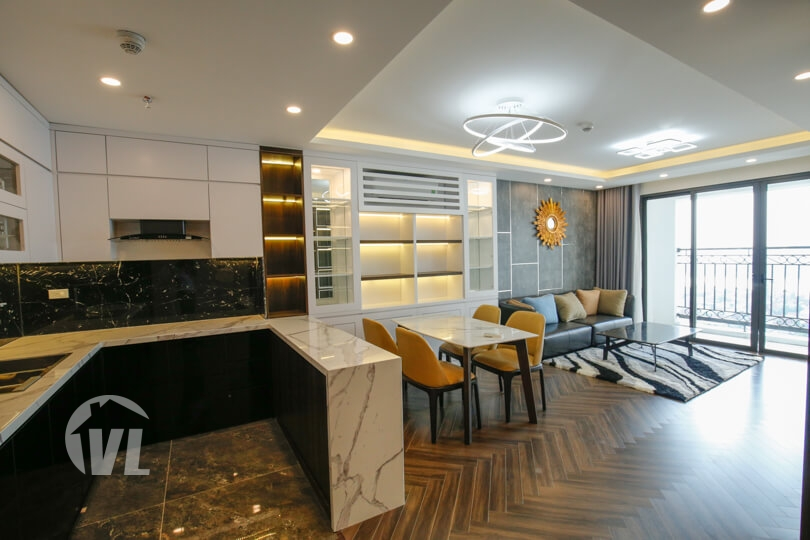 222 Modern 3 bedroom apartment in Xuan Dieu with lake view