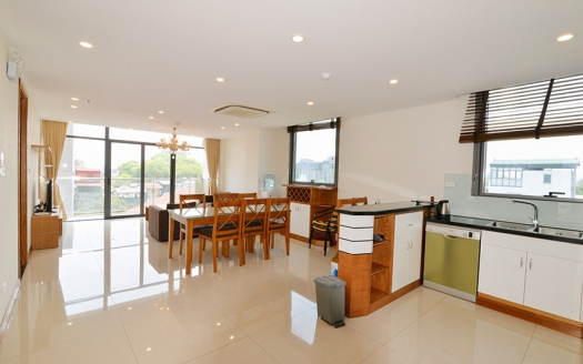 Reasonable price 3 bedrooms apartment in Truc Bach
