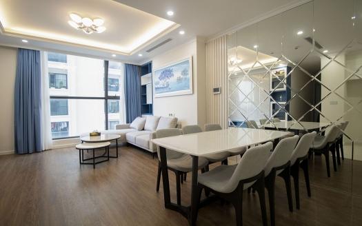Shiny 3 bedroom apartment in Sunshine Rivershine
