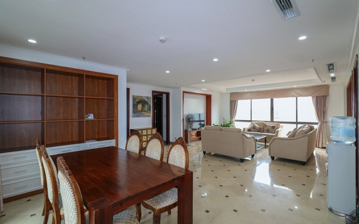 Spacious 4 bedroom apartment in Truc Bach Ba Dinh