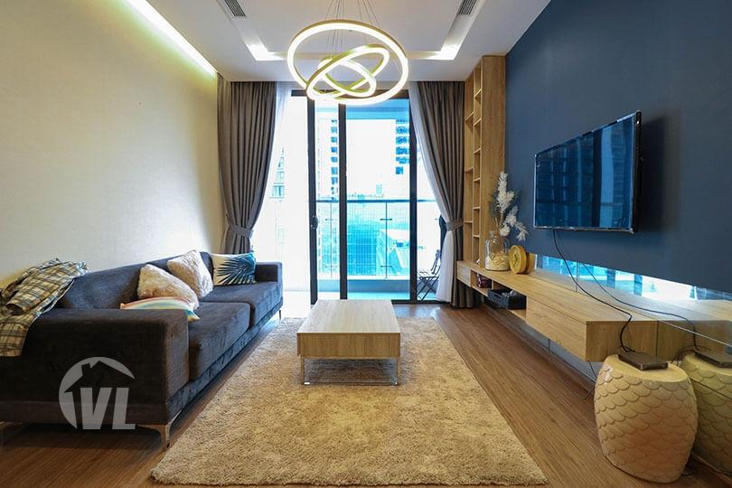 222 Charming furnishing Vinhomes Metropolis 2 bedroom apartment