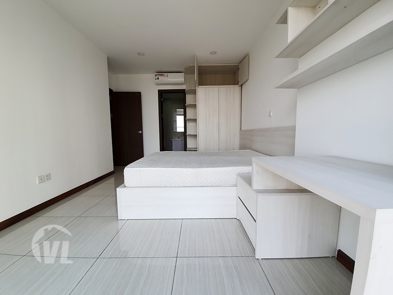 333 3 beds apartment with open view in Ngoai Giao Doan