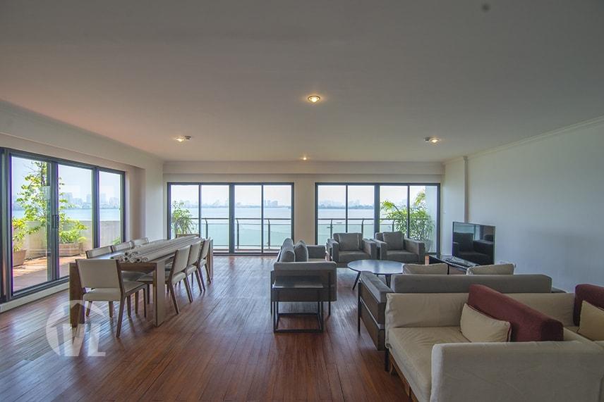 222 3 bedroom apartment in Hanoi Lake view