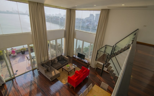 Gorgeous view penthouse 3 bedrooms in Xuan Dieu, Tay Ho