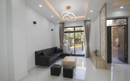 Minimalist style 4 bed house to rent in Vinhomes Starlake