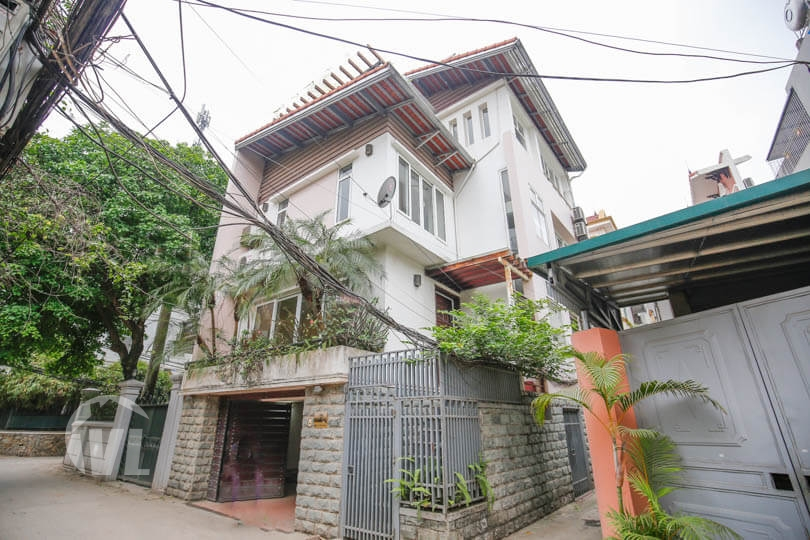 222 Modern partly furnished house in Tay Ho 3 beds 3 baths