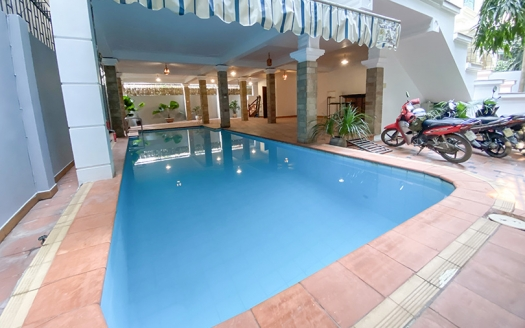 Refurbished 5 bedroom swimming pool villa in Tay Ho area