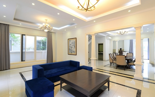 Splendid corner villa in Vinhomes Riverside 4 beds 4 baths