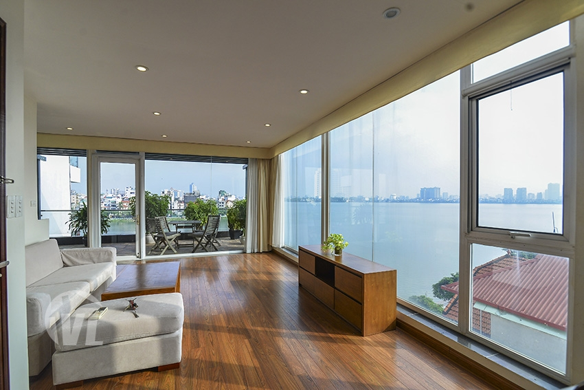 222 apartment with big balcony and lake view on Quang An street