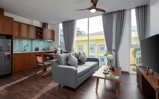 Budget apartment in Tay Ho