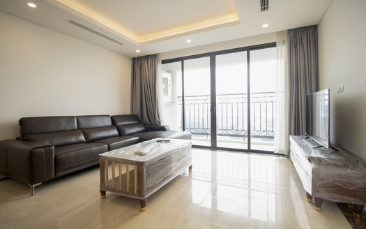 Brand new 2 bedroom apartment in Dle Roi Soleil with lake view