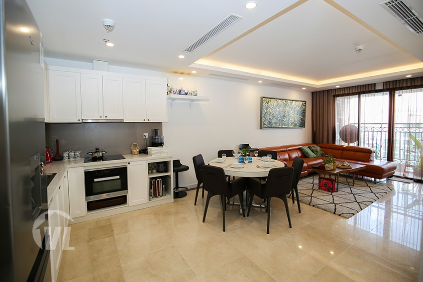 222 Gorgeous lake view 3 bedroom apartment Dle Roi Soleil, high floor