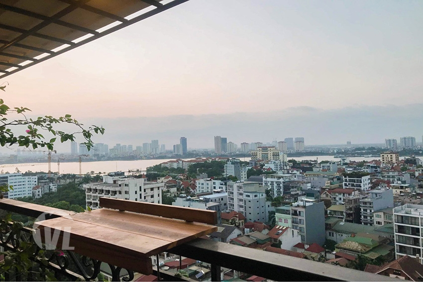 222 Lake view 2 bedroom apartment in Xuan Dieu, Dle Roi Soleil building