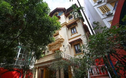 Large mansion to rent on To Ngoc Van street perfect for business