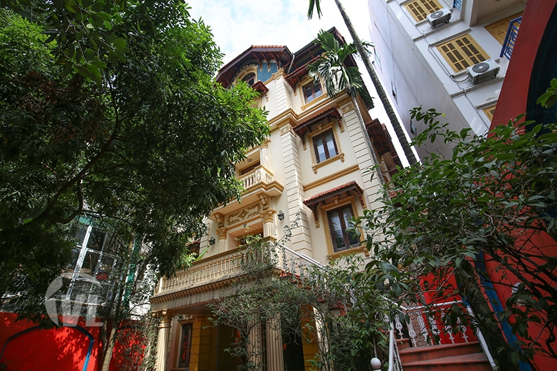 222 Large mansion to rent on To Ngoc Van street perfect for business