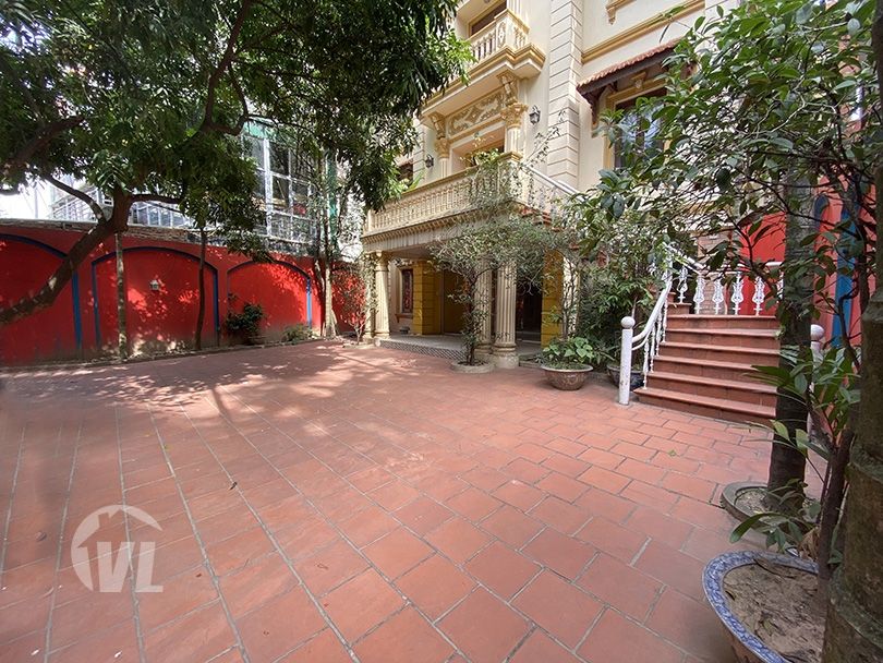 333 Large mansion to rent on To Ngoc Van street perfect for business