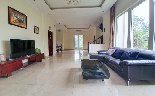 Splendid furnished corner villa to lease in Vinhomes close to BIS
