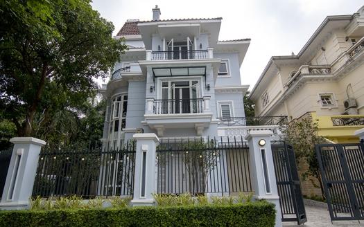 Corner villa Ciputra