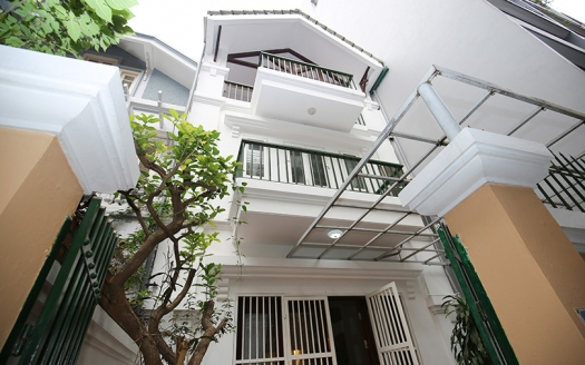 Beautiful front yard 3 bedroom house in Tay Ho Hanoi