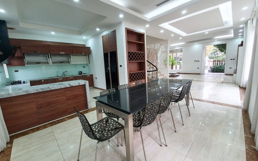Renovated house with garden close to BIS in Vinhomes Riverside