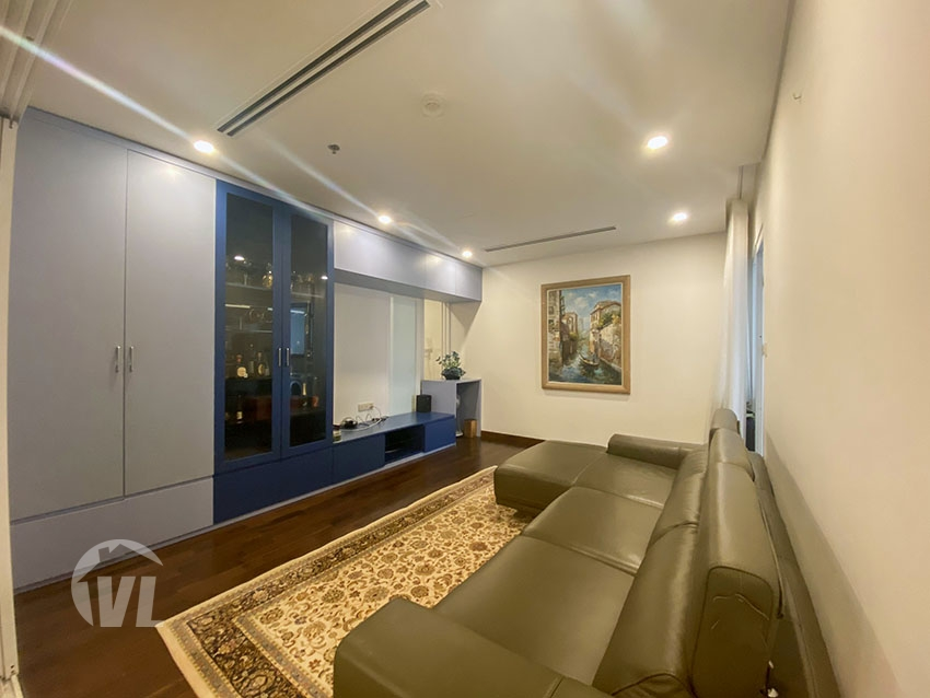 333 Furnished 3 bedrooms apartment in Aqua residence Truc Bach area