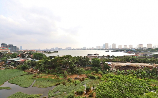 Lake view Quiet area 2 bedroom apartment in Au Co Tay Ho